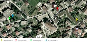 Die vier Wahllokale befinden sich in unmittelbarer Nähe zum neuen Dorfplatz.